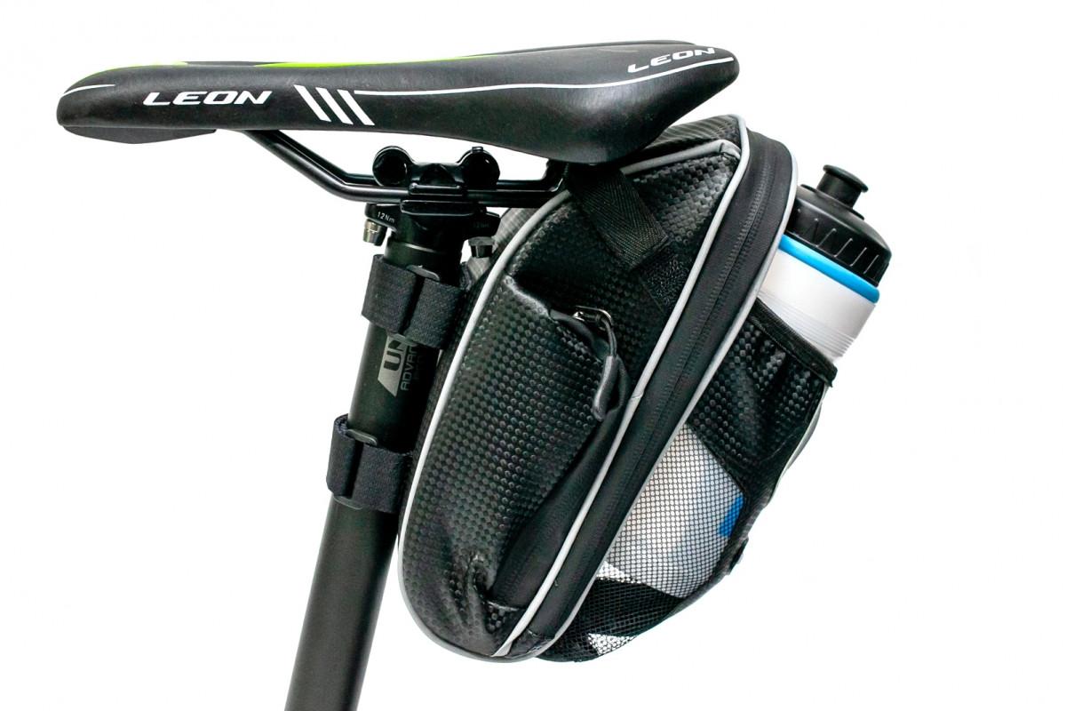 Фото Велосумка под седло с отделение под бутылку черный с белым BRAVVOS AZ-400 с официального сайта OSKAR™