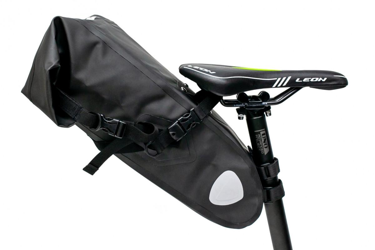 """Фото Велосумка """"байкпакинг"""" под седло 62x14x14cm черный водоотталк. BRAVVOS A2-402 с официального сайта OSKAR™"""