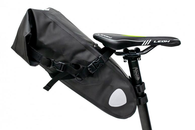 """Велосумка """"байкпакинг"""" под седло 62x14x14cm черный водоотталк. BRAVVOS A2-402"""