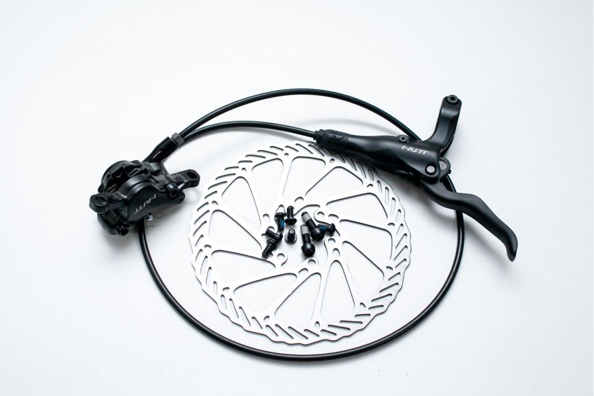 Фото Тормоз диск. передн. гидравл. NUTT Y-2 F800 с ротором 160мм c адаптером с официального сайта OSKAR™